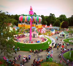 I would LOVE to take my children here!!!!  They LOVE Peppa Pig and the park looks like so much fun!!!!