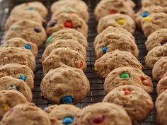 Cookies Crazy Cookies recipe from Ree Drummond - very similar to my Jumble cookies - I will try this version!Crazy Cookies recipe from Ree Drummond - very similar to my Jumble cookies - I will try this version! The Pioneer Woman, Pioneer Woman Cookies, Pioneer Woman Desserts, Pioneer Woman Recipes, Pioneer Women, Pioneer Woman Monster Cookies Recipe, Cereal Recipes, Best Cookie Recipes, Holiday Recipes