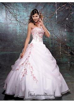 Beautiful Elegant Organza Ball Gown Strapless Wedding Dress In Great Handwork