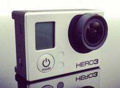 Jak Widać GoPro nie czekało długo ze swoją odpowiedzią naSony Actioncam. Poznajcie GoPro Hero3. Jak Widać GoPro nie czekało długo ze swoją odpowiedzią naSony Actioncam. Poznajcie GoPro Hero3.  Do wyboru są trzy wersje, każda z wbudowanym WiFi, wersja Black Edition nagrywa w 4K...niestety tylko w 12 klatkach n sekundę.  Cena tej czarnej skrzynki...