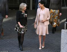 Meghan Markle visits London's National Theatre as royal patron London Plays, Meghan Markle Style, London Today, London Theatre, House Of Windsor, Louis And Harry, National Theatre, Prince Harry And Meghan, Dress And Heels