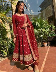 Stylish Dresses For Girls, Stylish Dress Designs, Wedding Dresses For Girls, Indian Wedding Outfits, Party Wear Dresses, Indian Outfits, Girls Dresses, Pakistani Fashion Casual, Pakistani Dresses Casual