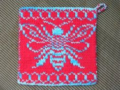 Bee Hive Pot Holder double knit using Sugar n' Cream cotton yarn in the colors swimming pool and red Knitting Charts, Knitted Shawls, Double Knitting, Knitting Projects, Fiber Art, Pot Holders, Needlework, Knit Crochet, Knitting Patterns