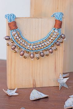 Collar babero Be Happy avellanas y azul . Exclusivo por dosTeresas, €65.00