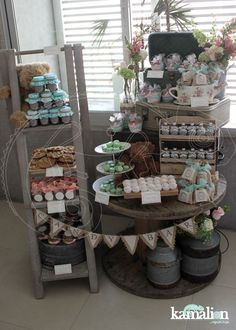 Kind of a cool display idea. Could also add boards like that and do the photos of loved ones on it Dessert Buffet, Dessert Bars, Dessert Tables, Candy Table, Candy Buffet, Vintage Candy Bars, Bar A Bonbon, Party Fiesta, Table Bar