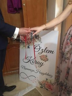 Nişan panosu, evde nişan organizasyonu Ceyda Organizasyon ve Davet İstanbul T… Engagement Photography, Paper Shopping Bag, Dream Wedding, Istanbul, Wallpaper, Home Decor, Catering, Islam, Lifestyle
