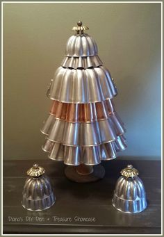 how to make a jell o mold tree project, christmas decorations, crafts, repurposing upcycling, seasonal holiday decor Christmas Tree Crafts, Primitive Christmas, Country Christmas, Homemade Christmas, Christmas Projects, All Things Christmas, Holiday Crafts, Vintage Christmas, Christmas Holidays