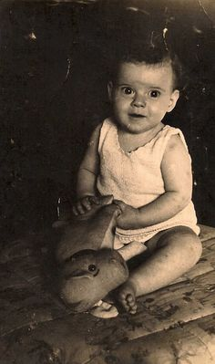 ~From Amsterdam, Netherlands~ Anne Clara Trompetter was sadly murdered in Auschwitz with her mother on February 11, 1944 at age 2. Her father survived the war.