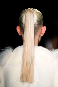 From ponytails to ballerina buns, here's a roundup on common hairstyle mistakes you might be making on the regular—and how to fix them. Sleek Hairstyles, Hairstyles Haircuts, Straight Hairstyles, New Hair, Your Hair, Runway Hair, Straight Ponytail, Hair Pulling, Hair Breakage