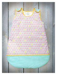 5e672eef95907 Gigoteuse bébé Florida - motifs acidulés de la boutique VaCommeLeVent sur  Etsy Bonbons Colorés