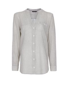 Printed cotton shirt with long sleeves, v-neckline, pearly button fastenings through front, buttoned welt pocket at chest and buttoned cuffs. College Girl Fashion, College Girls, Chic Outfits, Fashion Outfits, Printed Cotton, Personal Style, Shirt Dress, Style Inspiration, Mango France