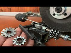 Youtube, Diy, Roller Chain, Electric Push Bike, Log Projects, Ideas, Bricolage, Do It Yourself, Youtubers