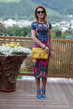 summer outfits, bodycon midi dress, Asos floral dress, blue heels, Rebecca Minkoff yellow mac bag, Fashion and Cookies