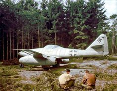 Messerschmitt Me 262 (Wk.Nr 'surrendered' by Luftwaffe test pilot and flight instructor Hans Fay on the 30 March 1945 (pic taken later April Ww2 Aircraft, Fighter Aircraft, Military Aircraft, Fighter Jets, Air Fighter, Military Jets, Luftwaffe, Messerschmitt Me 262, Me262