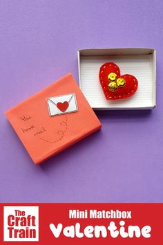 mini valentine matchbox craft for kids. Make the most adorable mini hand-sewn plushy heart delivered in a cute matchbox Popsicle Stick Crafts House, Craft Stick Crafts, Preschool Crafts, Fun Crafts, Paper Crafts, Creative Activities For Kids, Valentine's Day Crafts For Kids, Creative Kids, Craft Activities