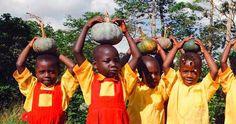 They are ready for Halloween :D Вот так в Африке малыши готовятся к Хэллоуину