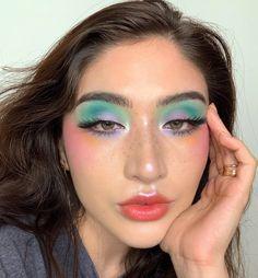 eyeshadow makeup tutorial to make eyeshadow makeup makeup hindi makeup with eyeshadow makeup look makeup hindi makeup prom eyeshadow makeup trends Makeup Eye Looks, Creative Makeup Looks, Pretty Makeup, Eyeshadow Makeup, Makeup Younique, Younique Eyeshadow, Makeup Eraser, Yellow Eyeshadow, Glitter Eyeshadow