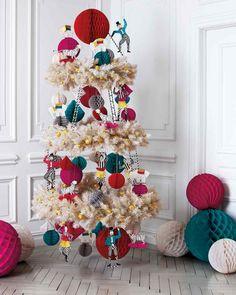 Martha Stewart decorative tree, featuring honeycomb balls from www.devra-party.com.