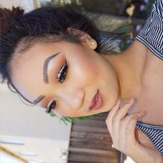 """Tiffany on Instagram: """"Cut crease today ✨ on my eyes I used @anastasiabeverlyhills caramel, Sienna, hot chocolate and @morphebrushes @jaclynhill faves palette, @lillylashes Miami, brow wiz and Dipbrow in Ebony on the brows, @colourpopcosmetics Quarters blush and ABH Contour Kit, lips are @nyxcosmetics Suede Lip in Soft Spoken, highlight is @beccacosmetics Opal pressed, brushes are @sigmabeauty """""""