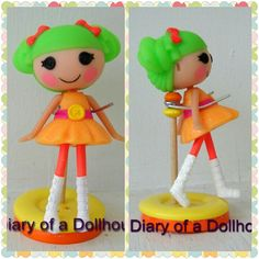 DIY Lalaloopsy Stand: 2 big buttons, a wooden dowel, 2 beads, & a paperclip - Diary of a Dollhouse