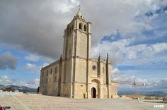 """#Jaen - Alcalá la Real- Iglesia Abacial-Castillo de la Mota.  37° 27' 35.94"""" N  3° 55' 47.43"""" W  Por cortesía de Javier Cacho Sanz"""
