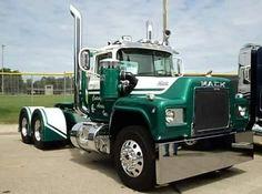 #Mack #nicetruck #driver #owneroperator #truckdriver #BigRig #TruckOfTheday
