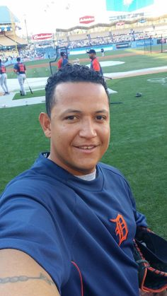 oh Miggy.I'm so ready for baseball season! Detroit Tigers Baby, Detroit Sports, Detroit Tigers Baseball, Detroit Michigan, Baseball Season, Baseball Players, Detriot Tigers, Tiger Love, Sport 2