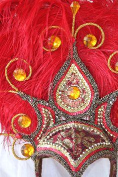 Brazilian samba headress. Vermelho