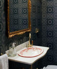 Open house - Regina Meira. Veja mais: https://casadevalentina.com.br/blog/detalhes/open-house--regina-meira-2827 #decor #decoracao #interior #design #casa #home #house #idea #ideia #detalhes #details #openhouse #style #estilo #casadevalentina #lavabo #banheiro #bathroom