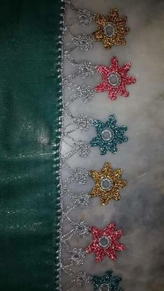 This Pin was discovered by HUZ Kare Kare, Crochet Borders, Tatting, Diy And Crafts, Bling, Lace, Jewelry, Rugs, Pearls