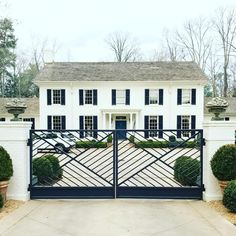 A Southern Style Makeover - % White Exterior Houses, White Houses, Exterior Homes, Southern Homes, Southern Style, Cafe Design, House Design, Interior Design, Beautiful Buildings
