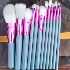 """About to do a tutorial using these pretty """"Love is...Patience"""" brushes from @royallangnickel !! They're so clean and shiny and purty, I had to take a picture before I got them all dirty!"""