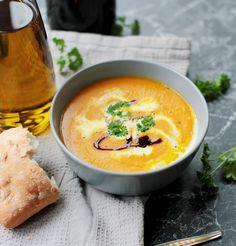 Wie wärs mit ein bisschen Soulfood? Dann hab ich für euch eine leckere Kürbissuppe!