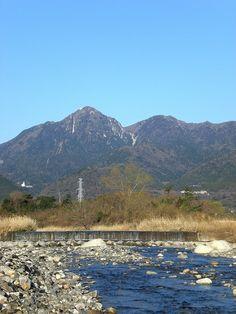 菰野町大羽根園地区 御在所岳、国見岳 平成25年3月22日撮影