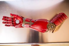 Robert Downey Jr. Surprises 7-Year-Old Boy with Awesome 3D Printed Prosthetic Iron Man Arm http://3dprint.com/50693/robert-downey-jr-iron-man-arm/