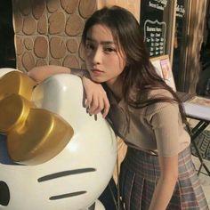 ✨— ᴄʜᴀʏᴇᴏɴɪ —✨ Ulzzang Korean Girl, Cute Korean Girl, Ulzzang Couple, Cute Asian Girls, Cute Girls, Uzzlang Girl, Pretty Asian, How To Pose, Soft Grunge