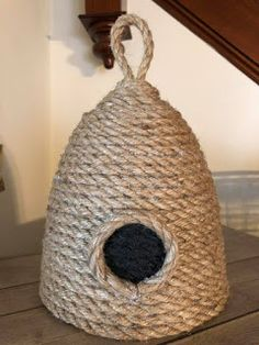 A simple and inexpensive DIY project - A How-To Bee Hive from using simple Dollar Store products. Highly sought after for primitive decorating, this Bee Skep is a great addition to any Farmhouse style home decor. Add it into your Rae Dunn collection for Bee Crafts, Arts And Crafts, Twine Crafts, Handmade Home Decor, Diy Home Decor, Decor Room, Diy Home Crafts, Easy Crafts, Easy Diy