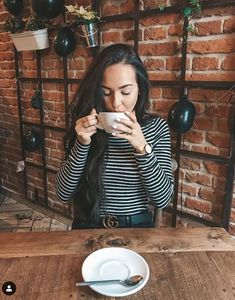 Spring Summer Fashion, School Ootd, Celebrities, Inspiration, Outfits, Clothes, Coffee Mugs, Candles, Dreams