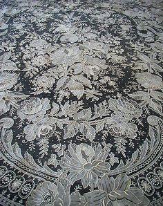 Atq ponto Rosa laço de agulha olhar de Casamento Noiva Véu Xale Melhor Lg Raro Mão W in Artigos antigos, Roupas de mesa, cama, banho e têxteis (pré-1930), Renda, crochê e toalhinhas | eBay