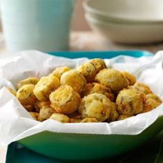 Southern Fried Okra Recipe -NOTHING beats a batch of okra, fresh from the garden. Golden brown, with a little fresh green color showing through, these okra nuggets are crunchy and flavorful. My sons like to dip the fried okra in ketchup. Okra Recipes, Vegetable Recipes, Cooking Recipes, Cajun Cooking, Creole Cooking, Cajun Food, Italian Cooking, Fun Recipes, Vegetables