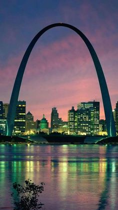 The Gateway Arch is a 630 foot beautiful sculpture St. Louis, Missouri. I would love to see this in person.