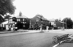 Cross Roads, Bushey Heath, The Alpine 1955 Alpine Restaurant, London History, Watford, North London, British Isles, Roads, Nostalgia, Scenery, Youth