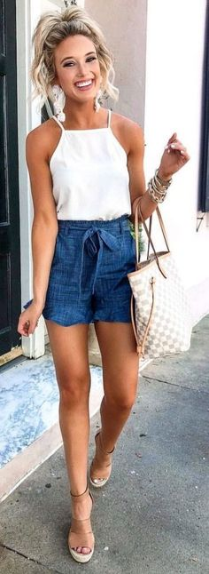 Preppy Summer Outfits To Inspire Yourself The Cutest Little Chambray Shorts (on Adrette Outfits, Short Outfits, Casual Outfits, Fashion Outfits, Fall Outfits, Classy Shorts Outfits, Fashion Shirts, White Girl Outfits, Early Spring Outfits