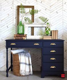 Rust-Oleum's Milk Paint Finish brings new purpose to an old desk. Rust-Oleum's Milk Paint Finish brings new purpose to an old desk. Repainted Desk, Refurbished Desk, Chalk Paint Desk, Painting A Desk, Diy Furniture Painting, Milk Paint Furniture, Redoing Furniture, Blue Painted Furniture, Navy Blue Furniture