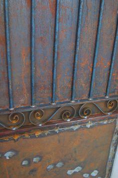 Portillon confectionné par le ferronnier du village...