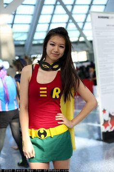 Pinner before: Lady Robin For when we finally get to comic con! Robin Cosplay, Robin Costume, Dc Cosplay, Best Cosplay, Cosplay Girls, Cosplay Ideas, Batman Cosplay, Awesome Cosplay, Casual Cosplay