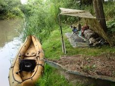 Camping on the water Bushcraft Camping, Kayak Camping, Camping Life, Camping Hacks, Gs500, Wild Camp, Cafe Racer Motorcycle, Outdoor Recreation, Wild Life