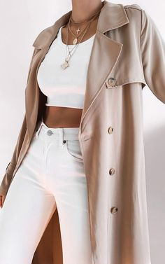 Girls Trench Coat, Trench Coat Outfit, Winter Fashion Outfits, Fall Outfits, Autumn Fashion, Fashion Dresses, Streetwear, Beige Trench Coat, Trench Coats