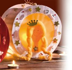 Prinsessen lampion Crafts For Kids, Decorative Plates, November, Activities, Autumn, School, Home Decor, Party, Cardboard Crafts