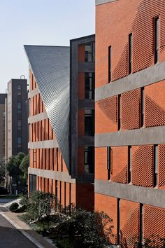 """Philip Yuan of Archi-Union Architects: """"The Process of Construction can be Elevated to Art Performance"""",Songjiang Art Campus, Shanghai / Archi-Union Architects. Image Courtesy of Archi-Union Architects Building Exterior, Brick Building, Brick Architecture, Architecture Details, Shanghai, Brick Facade, Brick Walls, Architectural Section, Brick Design"""